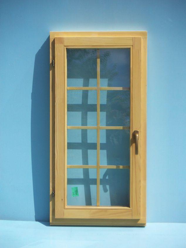 Почему выгодно купить деревянные готовые окна?